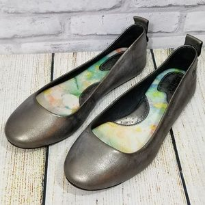 Born leather colored ballet flats size 8